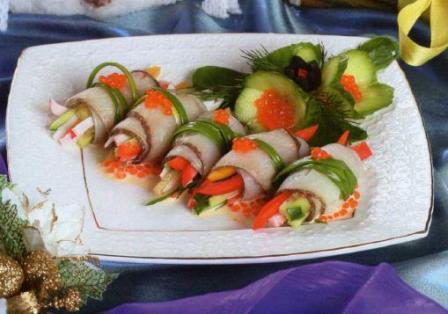 Рыбные рулеты под соусом новогодние закуски фото