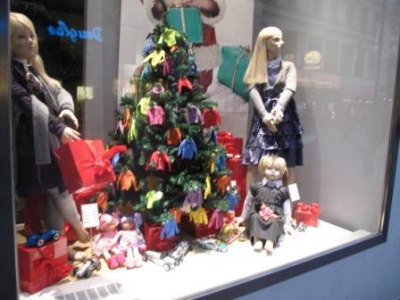 витрина магазина в рождественской Вене фото автора