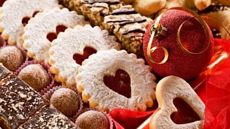 декоративные новогодние украшения – венки, свечи