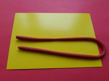 валентинка красный пластилин