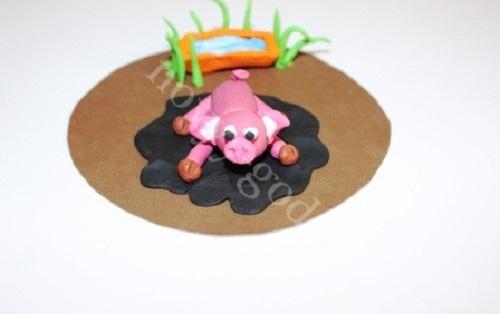 svinya iz plastilina