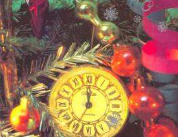 Миниатюра к статье Новогодние поздравительные открытки с часами и курантами