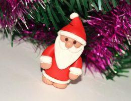 Миниатюра к статье Дед Мороз из пластики, мастер класс – создание ёлочной игрушки