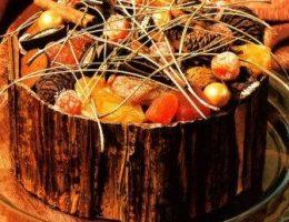 Декоративная композиция для украшения стола Праздничный пирог
