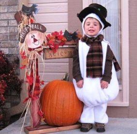 Новогодний костюм снеговика для ребенка своими руками