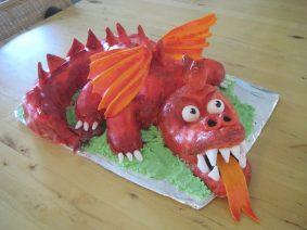 Новогодний торт Дракон – фото тортов к году Дракона