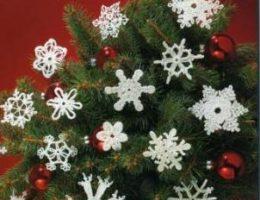 Оригинальные вязаные игрушки на новогоднюю елку (фото)