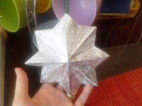 Объемная новогодняя звезда-игрушка из бумаги